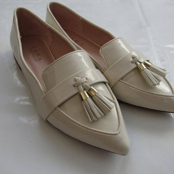 52db6e284a7 Women s Ivory Loafer Tassel ZARA Trafaluc Shoes. M 5a820e01f9e50194c5206199